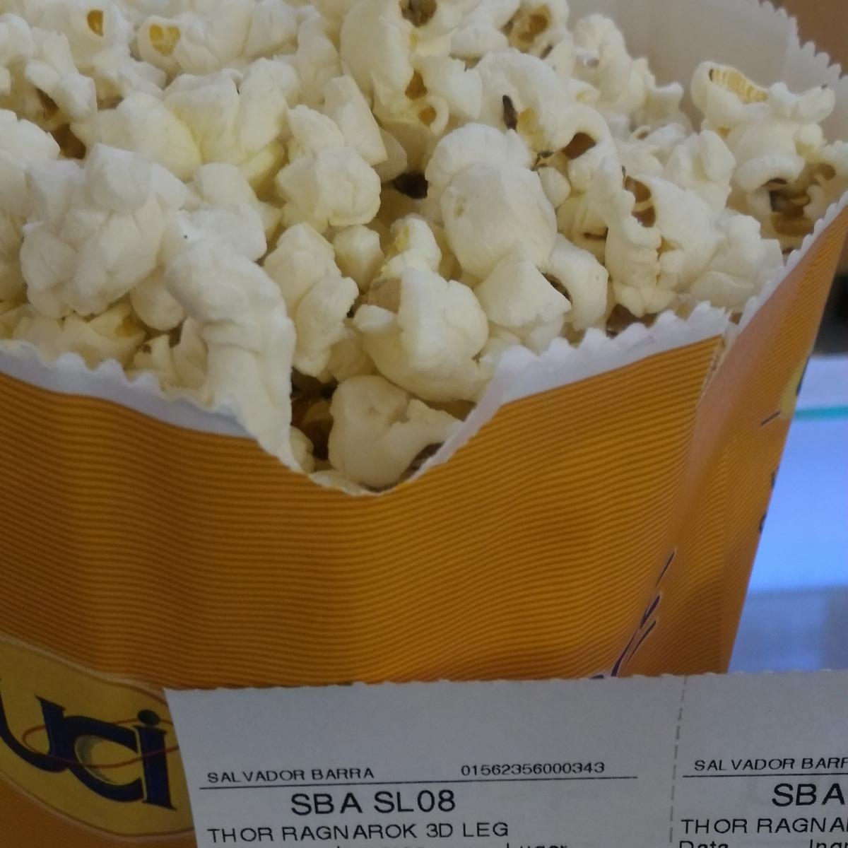 Sobre ir ao cinema sozinha