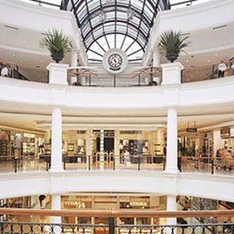 inside-shopping-patio